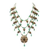 AN EMERALD AND PEARL NECKLACE -    - Auction of Fine Jewels & Watches