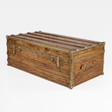 A PERIOD CAMPHOR WOOD CABIN TRUNK -    - 24-Hour Online Auction: Elegant Design