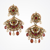 -A UNIQUE PAIR OF 'CHANDBALI' EAR PENDANTS