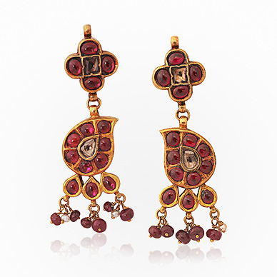 A PAIR OF GEMSET EARRINGS