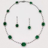 AN ELEGANT SUITE OF DIAMOND AND EMERALD JEWELRY -    - Auction of Fine Jewels