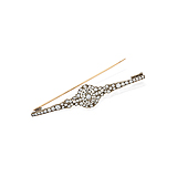 A DIAMOND PIN -    - Spring Auction of Fine Jewels