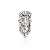 A DIAMOND AND PEARL BROOCH -    - Spring Auction of Fine Jewels