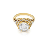 AN IMPRESSIVE DIAMOND RING -    - Auction of Fine Jewels & Watches