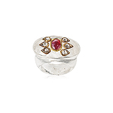 A QUARTZ, RUBY AND DIAMOND RING -    - Auction of Fine Jewels & Watches
