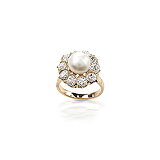 A PEARL AND DIAMOND RING -    - Auction of Fine Jewels & Watches