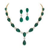 A SUITE OF EMERALD AND DIAMOND JEWELRY -    - Auction of Fine Jewels & Watches