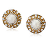 A PAIR OF PEARL AND DIAMOND EAR CLIPS -    - Autumn Auction of Fine Jewels and Silver