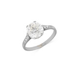 A DIAMOND RING -    - Autumn Auction of Fine Jewels and Silver