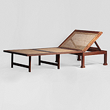 A TEAKWOOD CAMPAIGN DAY BED -    - Travel and Leisure Auction