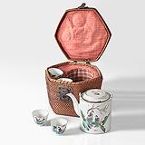 A VINTAGE JAPANESE TEA BASKET -    - Travel and Leisure Auction