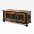 A SUPERB SATINWOOD AND EBONY CHEST - 24-Hour Online Auction: Elegant Design