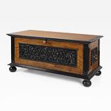 A SUPERB SATINWOOD AND EBONY CHEST -    - 24-Hour Online Auction: Elegant Design