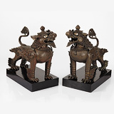 A PAIR OF RARE BRONZE CHINESE LIONS -    - 24-Hour Online Auction: Elegant Design