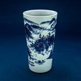 BLUE AND WHITE PORCELAIN VASE -    - Asian Art